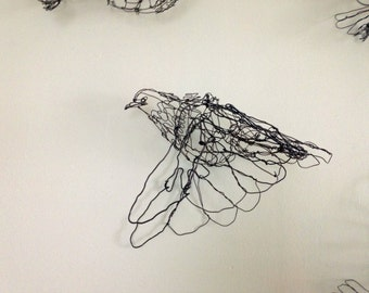 Flying Pigeon Wire Drawing Sculpture Art