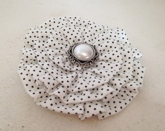 Black White Flower Hair Clip.Flower Brooch.Pin.Polka Dot Flower.Black White headpiece.Black White hair accessory.pin up.polka dot fascinator