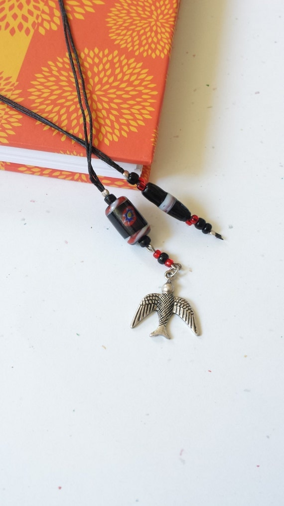 Flying Bird Beaded Bookmark/ Black And Red/ Glass Beaded Book Thong With Metal Charm/ Gift For Readers/ Bird Watchers/ Journaling/ Bookworms