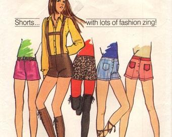 Simplicity 9597 HIP-HUGGER SHORTS Short Shorts w/ Suspenders Vintage 1970s ©1971