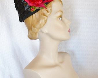 Clearance 50s 60s Vintage Black Raffia Hat with Pink Rose Union Made