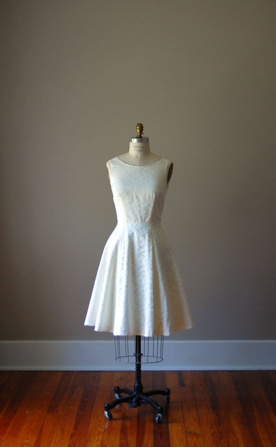 Ivory Cotton and Lace Cocktail Dress with Scoop Neck and Full Skirt / Bridesmaid/ Wedding / Knee Length / Circle Skirt / Scoop Back / Cream