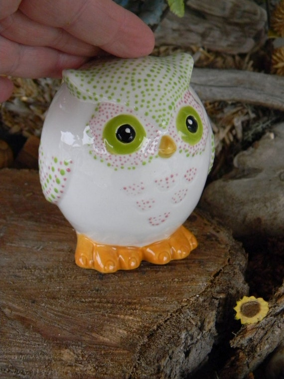 Ceramic  Glazed OWL   ...Owlet baby Hooter - Collectible Horned or Barn Owl Lots of Dots -