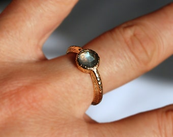 Cuttlefish Cast  Solid Gold and Labradorite Solitaire Ring