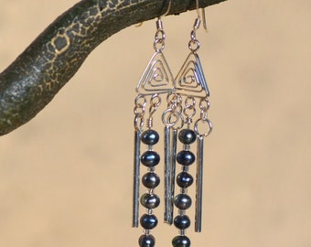 Black Pearl Silver Earrings.  COMET EARRINGS. Water Pearls Gemstones Spiral Sterling Silver Earrings.  Dangle Earrings.