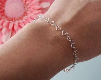 Mini heart bracelet // sterling silver layering bracelet