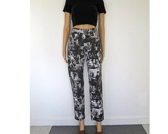 TABLOID // black and white photo print 90s high waisted stretch denim jeans S / M