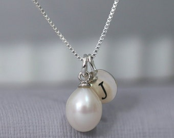 Custom Initial Freshwater Pearl Necklace, Personalized Bridesmaid Necklace, White Freshwater Pearl Necklace, Gift for Her, Girlfriend Gift