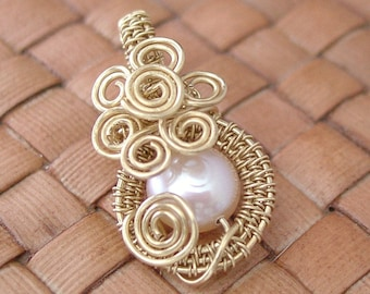 Freshwater Peach Pearl and Brass Wire Woven Pendant