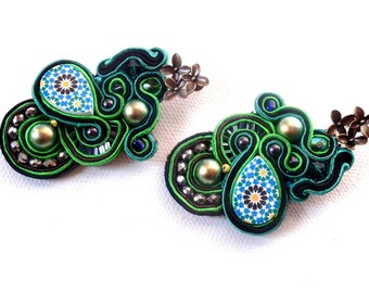 green boho chic statement earrings , morrocan tile inspired jewelry , spring summer trends , ethnic jewellery , blue and green mosaic
