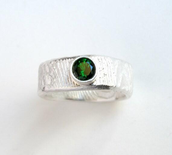 emerald color garnet sterling silver ring with tsavorite