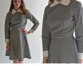 Vintage 60s Mod Dress / Black & White Honeycomb Flare Skirt Secretary Dress / 60s Mod Mini Dress S / M