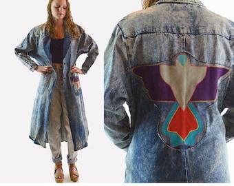 Vintage 80s Denim Duster Coat / Leather THUNDERBIRD Applique Tribal Designs Oversized Pockets / PIONEER Wear Acid Wash Denim Maxi Coat M