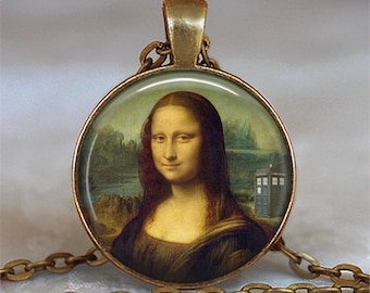Tardis Mona Lisa pendant, Leonardo Da Vinci Dr Who jewelry, Tardis pendant, Whovian jewelry Tardis necklace, Dr Who necklace