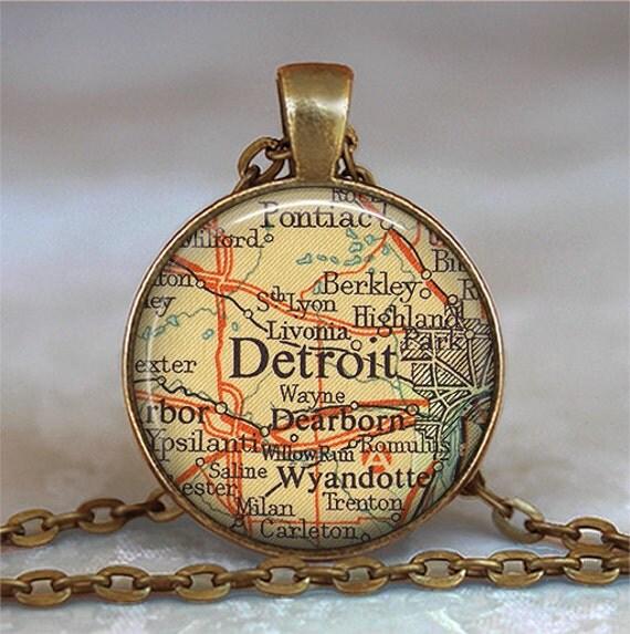 Detroit map pendant, Detroit map necklace, Detroit pendant, vintage map jewelry, Detroit necklace travel map Detroit key chain key fob