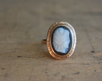 Antique 10K hardstone agate cameo ring