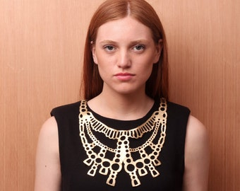 LAGRIMA leather necklace (Gold or Copper)