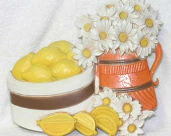 Vintage 1970's Homeco Plaque of Daisies and Lemons