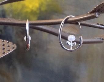 Flower earrings, hoops earrings, Mothers Day earrings gift, gift for her, white pearl flower earrings, unique earrings, earings, wife gift