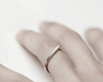 Thorn 02 - silver ring - minimalist sterling silver pointy ring