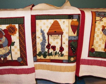 3 LESLiE BECK DiSH TOWELS Country Bears at Heart Honey Hill Applique on Cotton Hand Towels Set