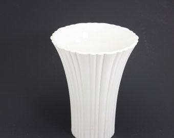 Vintage Milk Glass Vase Fluted Flared Scalloped Edge Wedding Christmas Holiday Display Centerpiece