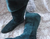 Classique 80s Forest Elf Green Suede Slouch Boots // women's 8 / 8 1/2