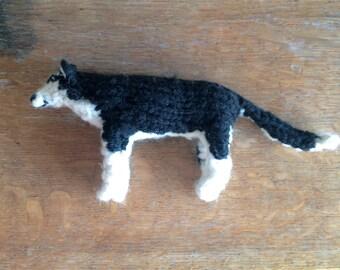 Siberian Husky knitted in wool