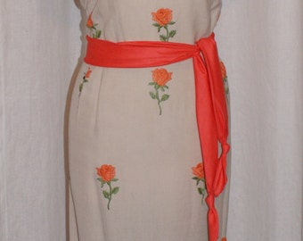 Pretty Vintage 1950s embroidered beige and orange wiggle dress XL Rockabilly VLV plus size