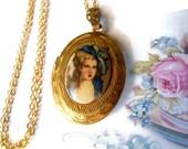 Vintage Locket,Victorian Portrait, Vintage Necklace