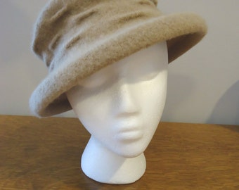 CLOSE OUT  REDUCED   Vintage Hat, Retro Hat, Derby Hat, Womens Accessories, Boho style, French vintage, Tan Wool felted hat