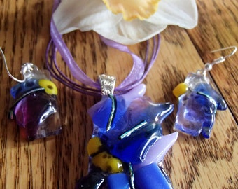 Glass fusion flower pendant and earrings