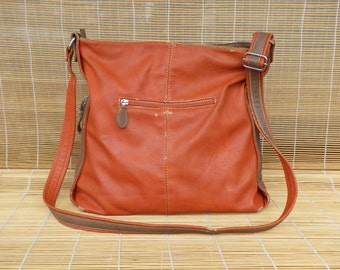 Vintage Lady's Orange And Brown Faux Leather Zip Up Top Shoulder Strap Bag Purse