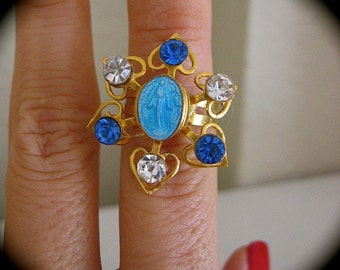 """Sale --Vintage 50""""s Sparkly Enameled VIRGIN MARY Miraculous Medal Ring-  STUNNING"""
