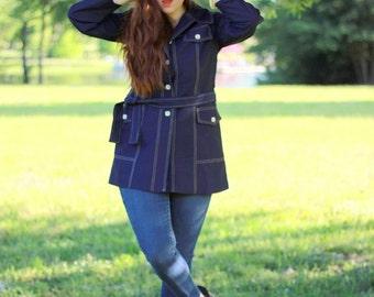 SALE 1970s retro blue trench coat. Size large 8-10