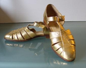 Vintage Pura Lopez Gold Metallic Fisherman Sandals 7B