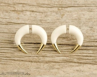Fake Gauges Earrings Double Talon Pincher Earrings with Golden Tip Tribal Style White Bone Organic - FG077 BM G1