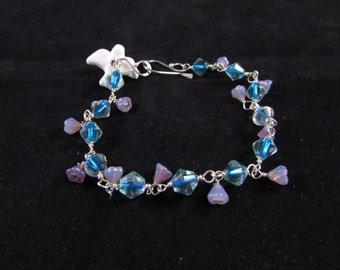 Hand beaded bird bracelet, bird charm bracelet, bird bracelet, charm bracelet, crystal bracelet, Soaring dove hand beaded charm bracelet