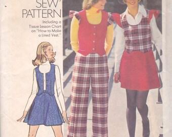 Mini-Skirt, Vest and Pants Pattern Simplicity 5852 Size 14