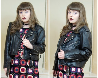 80s 90s Grunge Goth Black Leather Beaten Up Classic Belted Popper Zippers Motorcycle Moto Biker Jacket M / L