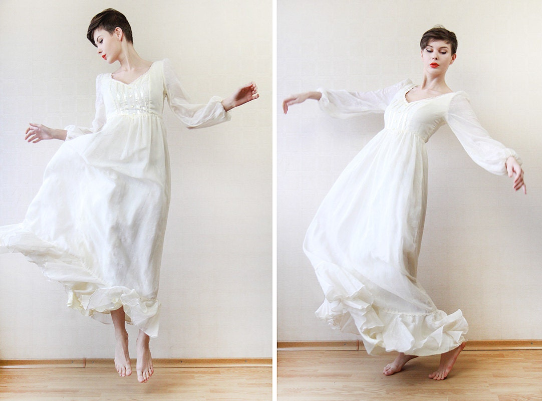Off white long sleeve simple ruffled cotton wedding dress xs for Simple cotton wedding dress