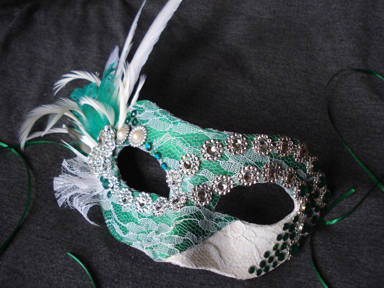 foto de Masquerade Mask Party Mask White and Emerald Green