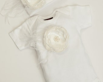White Layette Baby Girl One Piece Set Short Sleeve with Detachable Off White Chiffon Feather Flower