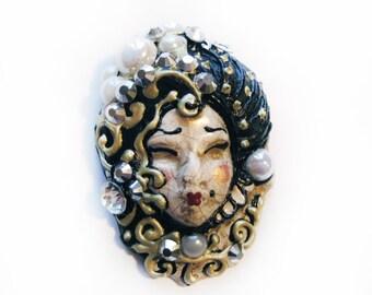 Pin Up Brooch Pin Venetian Mask, Miniature Ceramic Art, Costume Jewelry, Art Deco Jewelry Brooch