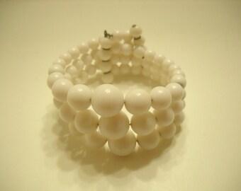 Vintage White Plastic Beaded Stretch Bracelet (4671) Triple Strands