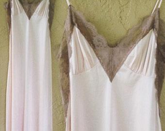 SALE Vintage 1970s pink mauve lace lingerie boudoir nightgown set