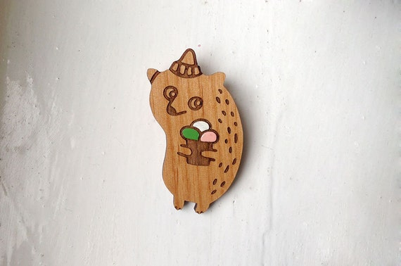 Icecream Bear - wooden brooch, varnished alder wood