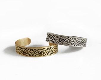 Eye temple bracelet