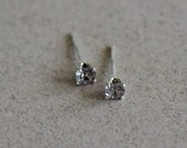Tiny Alexandrite Stud Ear...