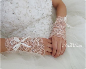 Lace Bridal Gloves, Fingerless Gloves, Wedding Cuffs, Bridal Accessories, Bridal Wrist Gloves- Cf153c